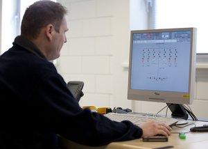 Maasvlakte - Operator in control room